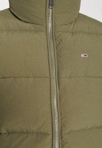 Tommy Jeans - MODERN PUFFER JACKET - Winter jacket - olive tree - 6