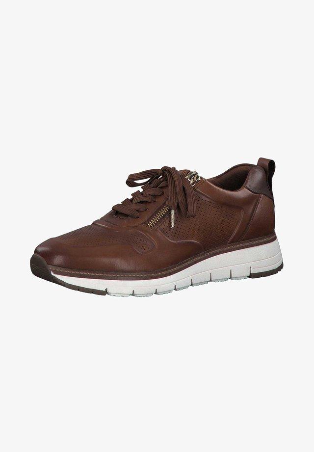 Sneakers laag - muscat/chestnu 334