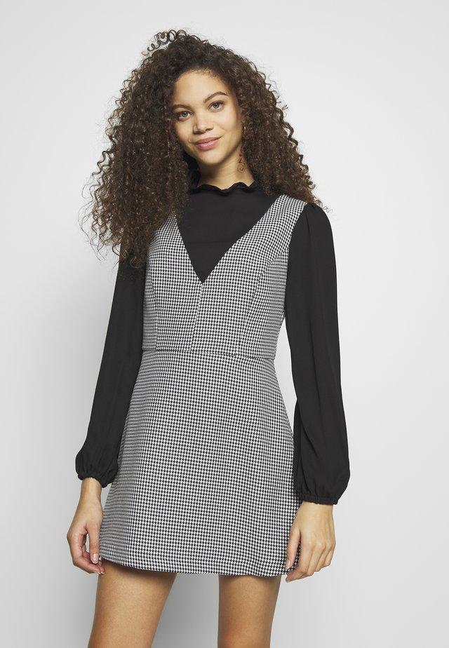 TWO IN ONE DRESS - Denní šaty - mutli
