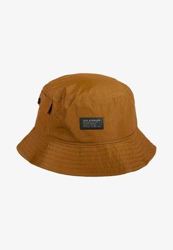 Hattu - regular khaki