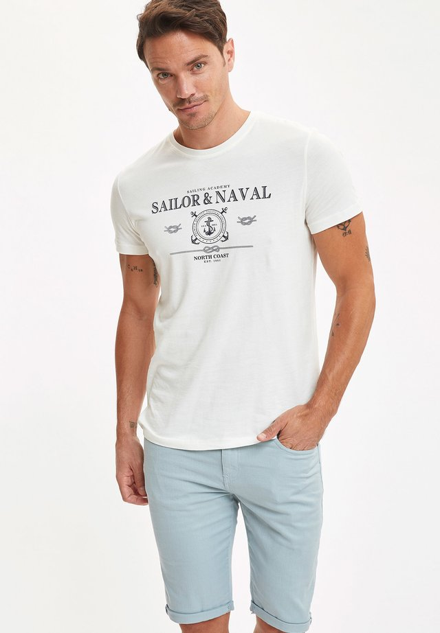 Denim shorts - turquoise