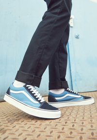 Vans - OLD SKOOL - Skateschoenen - navy - 4