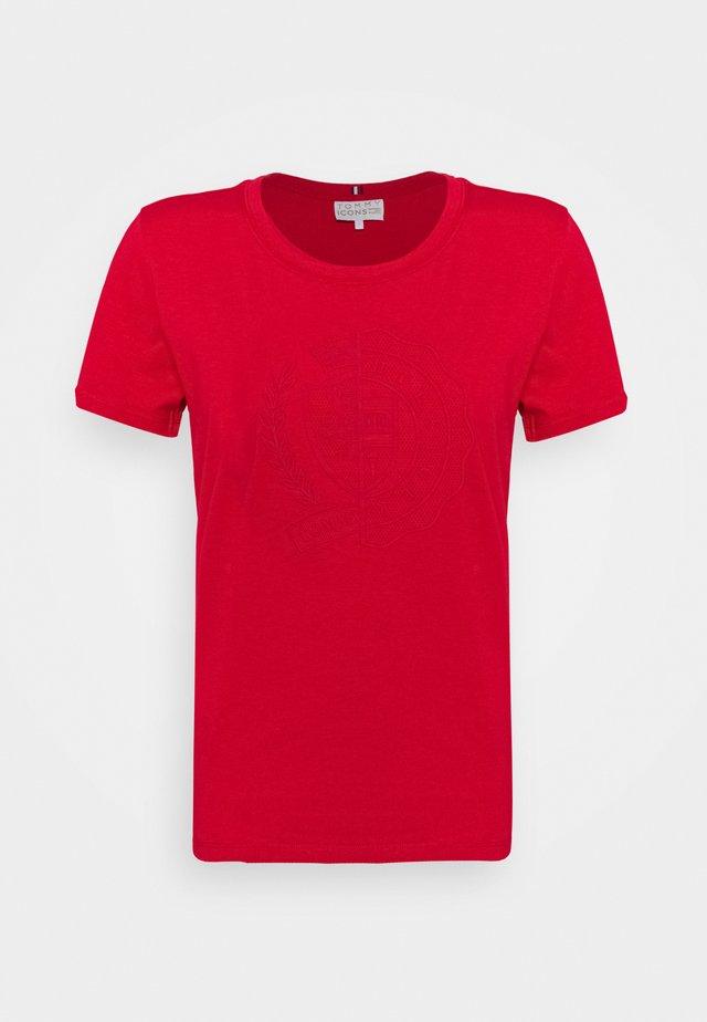 ICON SLIM - Print T-shirt - primary red