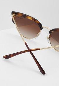 VOGUE Eyewear - Solbriller - havana/pale gold-coloured - 2