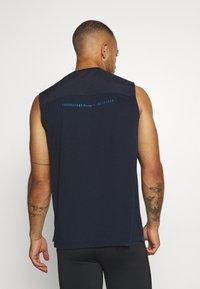 Champion - GET ON TRACK SLEVELESS TEE - T-shirt de sport - dark blue - 2