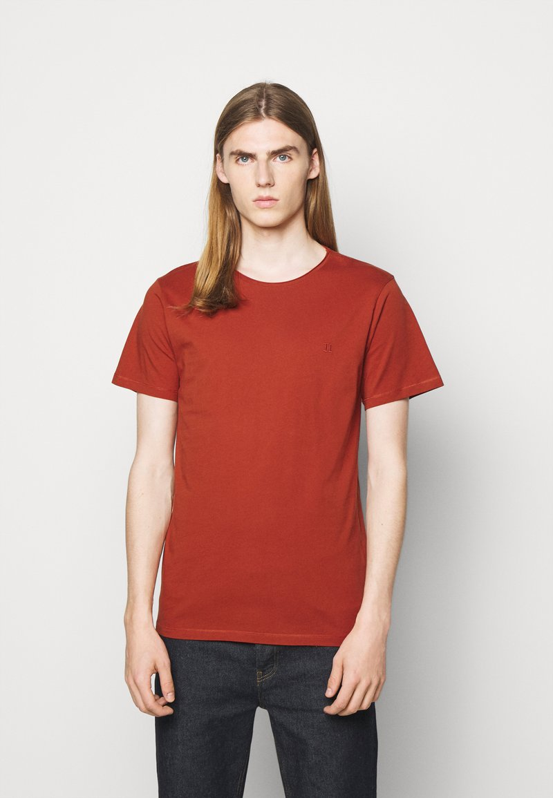 Les Deux - AUSTIN - Jednoduché triko - rust red