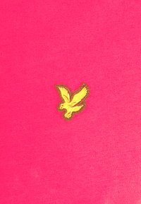 Lyle & Scott - PLAIN - T-shirt - bas - geranium pink - 5