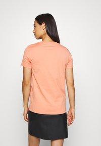 Diesel - T-SILY-WX T-SHIRT - Print T-shirt - apricot - 2