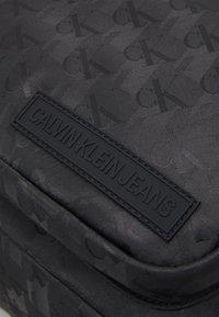 Calvin Klein Jeans - CAMPUS UNISEX - Rucksack - black - 3