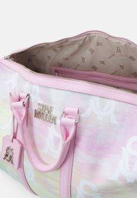 Steve Madden - BHUE - Weekend bag - pastel - 2