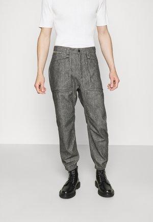 EKSTRO - Spodnie materiałowe - grau