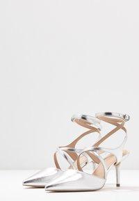 Zign - Klassiske pumps - silver - 4