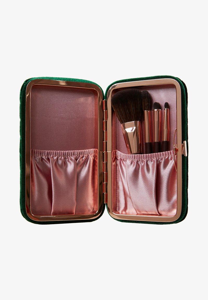 Charlotte Tilbury - CHARLOTTE'S HOLLYWOOD MINI BRUSH SET - Makeup brush set - -