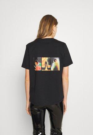 KJERAG TEE - T-shirt imprimé - black