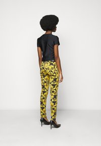 Versace Jeans Couture - LADY - Triko spotiskem - black - 2