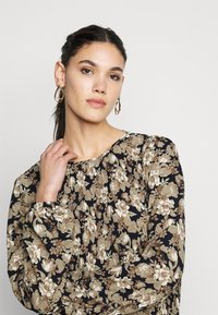 PIECES Tall - PCDAGMAR DRESS - Kjole - black - 3