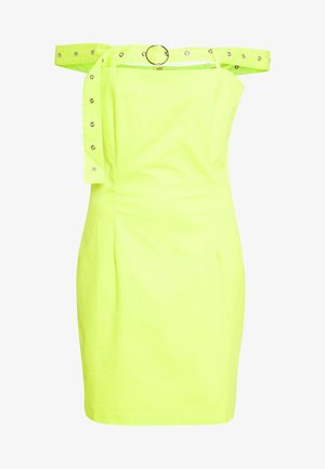 BARDOT DRESS WITH BUCKLE STRAP - Denní šaty - lime