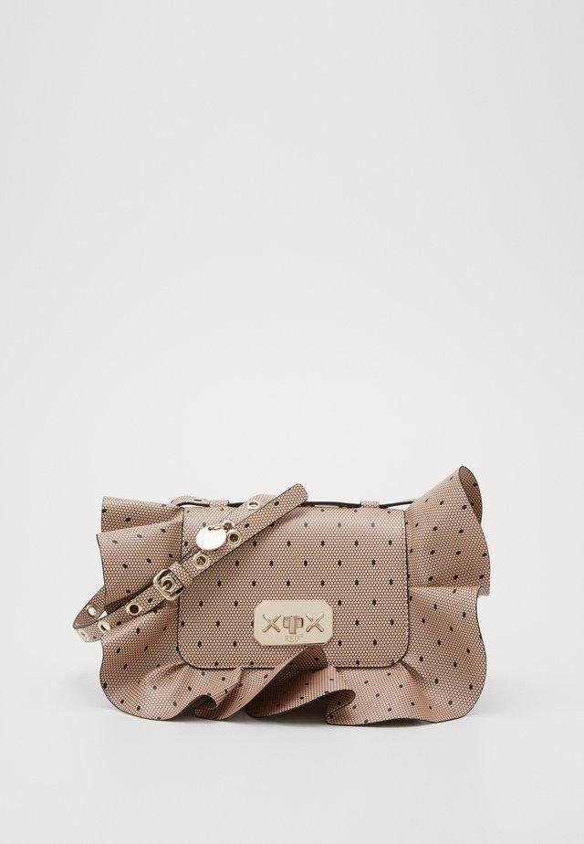 MED ROCK RUFFLE POINT DE ESPIRIT - Handbag - nude