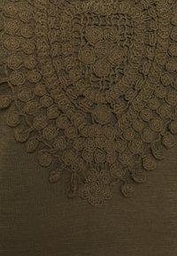 JDY - JDYDODO DRESS  - Vapaa-ajan mekko - kalamata - 3