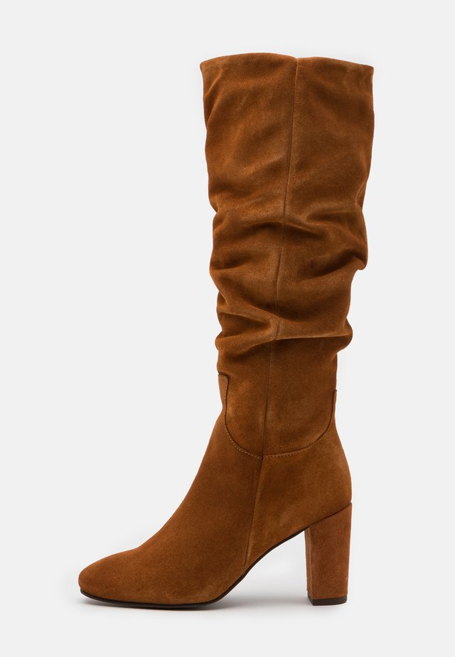 VMBIA BOOT - Bottes - cognac