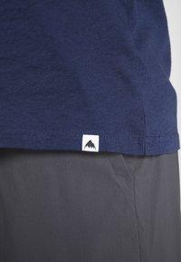 Burton - CLASSIC MOUNTAIN HIGH - Print T-shirt - dress blue - 3