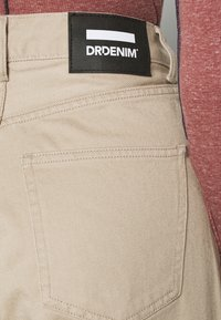 Dr.Denim - AIKO CROPPED - Jeans relaxed fit - cashew - 4
