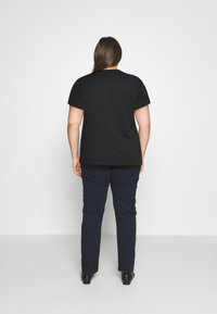 Levi's® Plus - PERFECT TEE - Print T-shirt - caviar - 2