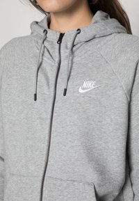 Nike Sportswear - HOODIE - Zip-up sweatshirt - grey heather/white - 4