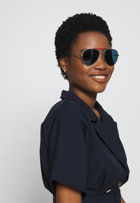 Tommy Hilfiger - Sunglasses - silver-coloured - 1