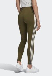 adidas Originals - LEGGINGS - Leggings - Trousers - green - 1
