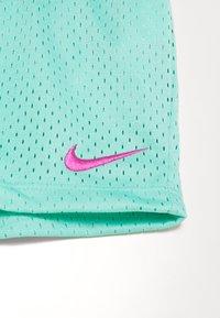 Nike Sportswear - SCRIPT FUTURA SET - Pantaloni sportivi - emerald rise - 4