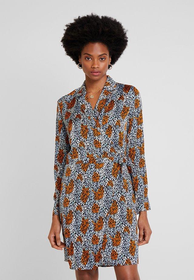 CAMO - Skjortekjole - ginger