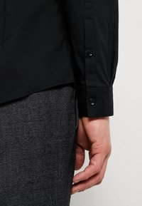 CELIO - MASANTAL - Formal shirt - noir - 5