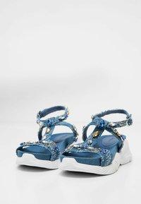 Desigual - Sandales compensées - blue - 3