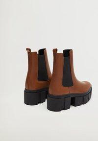 Mango - TRACTOR-I - Ankle boots - średni brązowy - 3