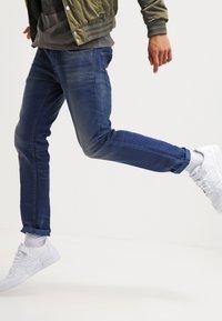 G-Star - 3301 SLIM - Jeans Slim Fit - medium aged - 3