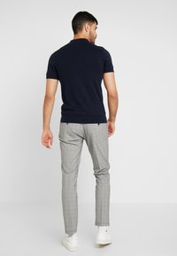 Selected Homme - SLHSLIM MATHREP CHECK PANTS - Trousers - white/black - 2