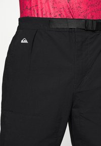 Quiksilver - SEA BED - Trousers - black - 5