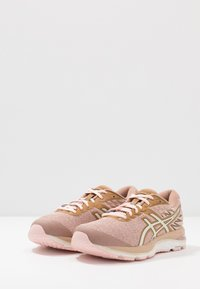 ASICS - GEL CUMULUS 21 - Obuwie do biegania treningowe - dusty steppe/birch - 2