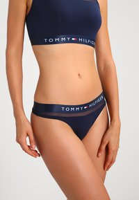 Tommy Hilfiger - SHEER FLEX THONG - G-strenge - navy blazer - 0