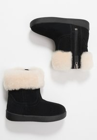UGG - JORIE - Baby shoes - black - 0