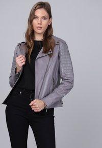 Basics and More - Leather jacket - grey - 2