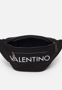 Valentino Bags - KYLO WAISTBAG - Bum bag - nero - 2