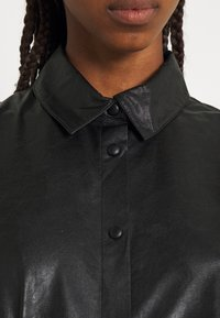 b.young - BYESONI SHIRT - Button-down blouse - black - 5
