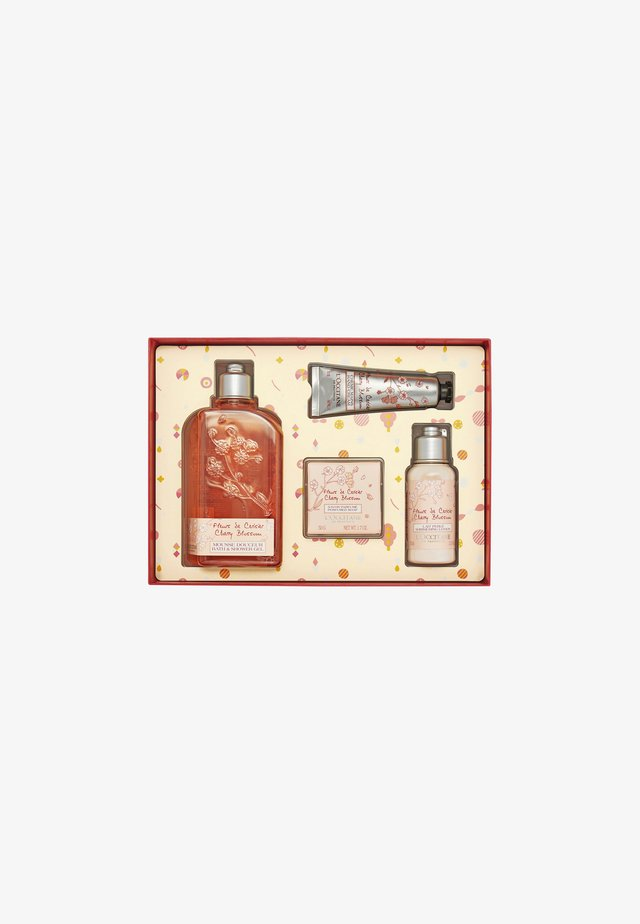 CHERRY BLOSSOM BODY CARE COLLECTION - Bath and body set - -