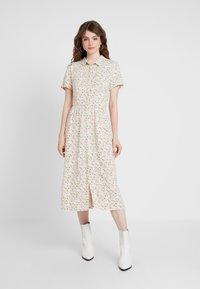 Envii - ENMOORE DRESS - Skjortekjole - beige/multi-coloured - 0