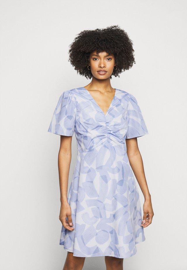 RUCHED FRONT DRESS - Sukienka letnia - blue multi