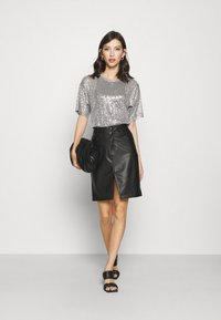 Gina Tricot - RUDY SEQUINS - Bluser - silver - 1