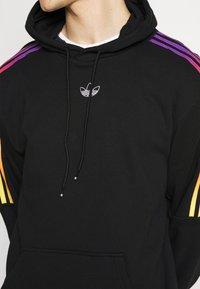 adidas Originals - UNISEX - Sweatshirts - black/multicolor - 4