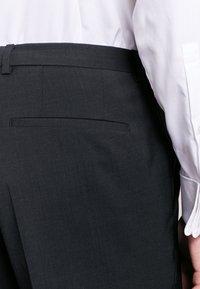 HUGO - SIMMONS - Oblekové kalhoty - dark grey - 4